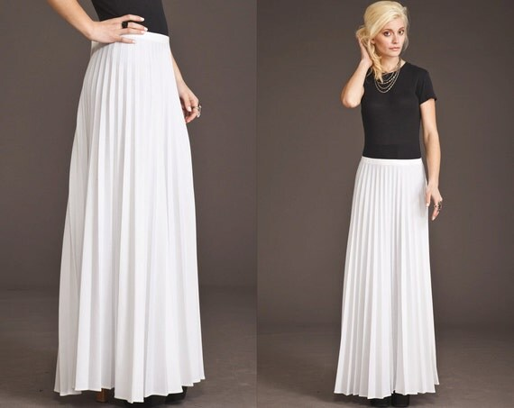 vintage white pleated 60s 70s maxi skirt floor sweeping
