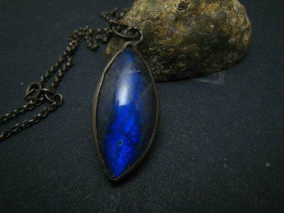 Blue flash labradorite,handwrapped pendant