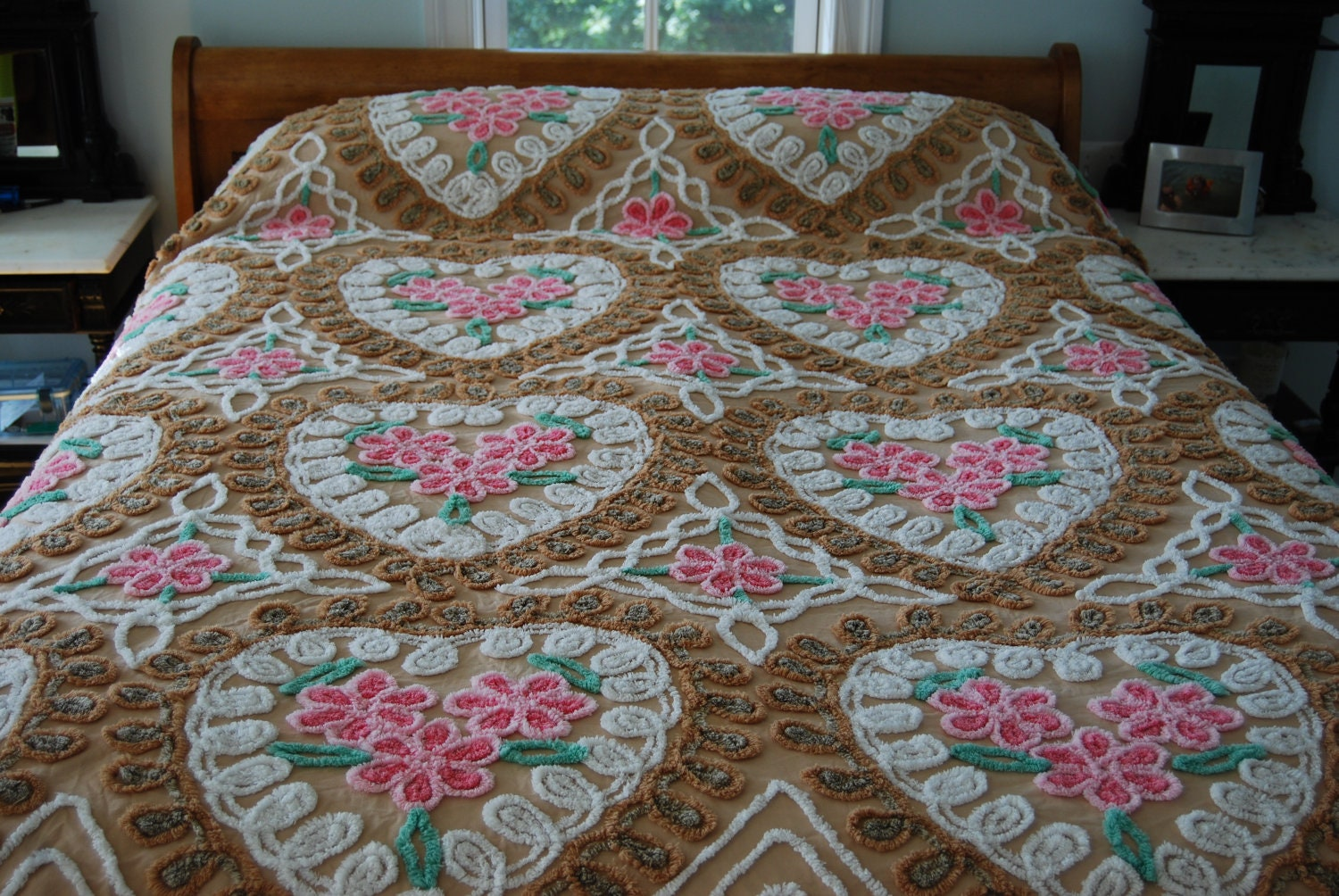 Soft mocha beautiful vintage chenille bedspread hearts and for Beautiful bedspreads