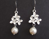 Three flower and Pearl Sterling Silver Earrings - bridesmaid gifts,elegant  Wedding jewelry