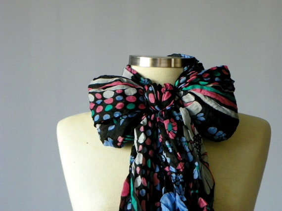 Scarf, infinity viscose wrinkled scarf, floral print pattern neckwarmer, fall autumn fashion, loop scarf, christmas gifts idea, rectangle