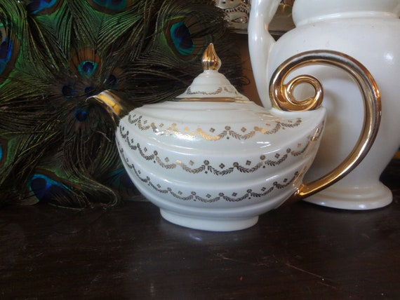 Hall ivory swag aladdin teapot by kathleendelman on etsy - Aladdin teapot ...