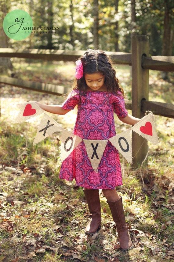 XOXO Burlap Banner / Valentine's Day Photography Prop