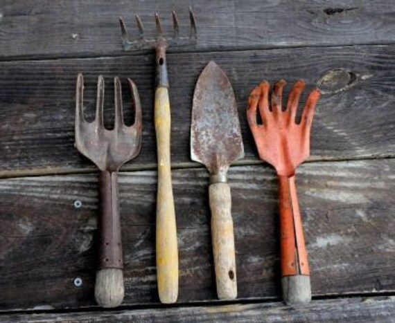 Antique Garden Hand Tools Claw Fork Spade Yard Art