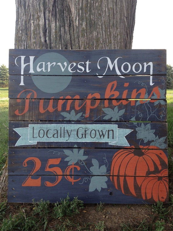 Harvest Sign On Barnwood For Fall Front Porch Decor: Hand Painted Vintage Pumpkin Repurposed Pallet