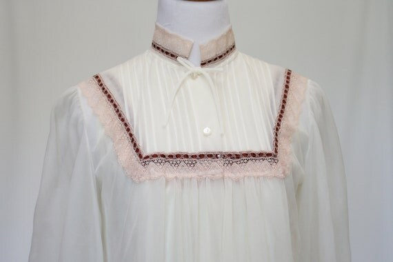 70's Vintage Nightgown Set Victorian Style