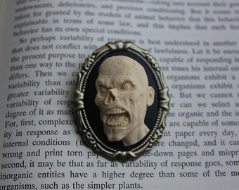 Cream On Black Screaming Zombie Silhouette 3D Cameo Brooch