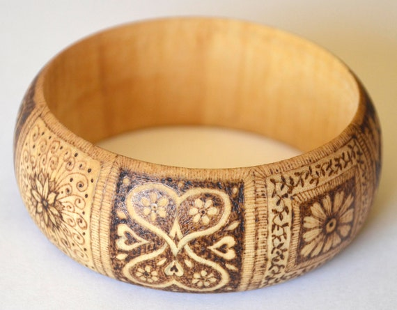 Pyrographed wooden bangle