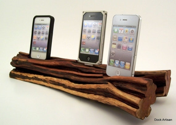 family charging station triple iphone 4 wood dock. Black Bedroom Furniture Sets. Home Design Ideas
