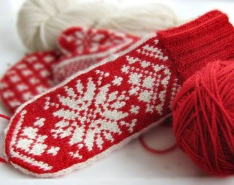 Mittens in Traditional Scandinavian Snowflake Design KRISTINA