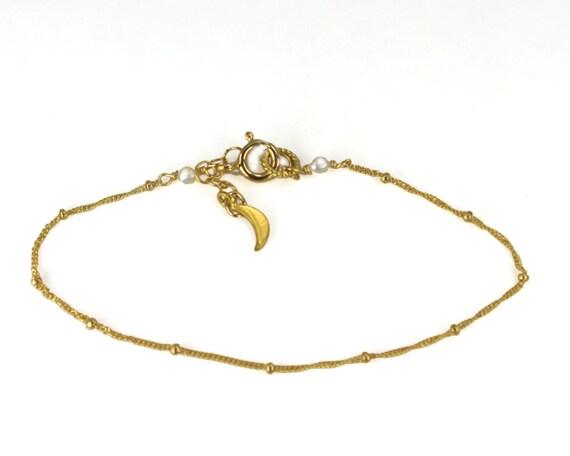 Chain Bracelet. Dewdrop Bracelet. Stack Bracelet. Delicate Bracelet. Gold Filled  or 925 Silver (LMB-361-1)