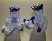 Blue White Colonial Figurines Blue & White China Figurines
