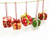 Christmas ornament - Christmas table decoration - set of 5 - gift boxes - holiday decor - yellow - orange  - green
