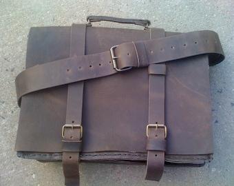 Men Messenger Bag/Distressed Leather Top Handle Bag/CrossBody handBag/Too Many Pockets Shoulder Bag