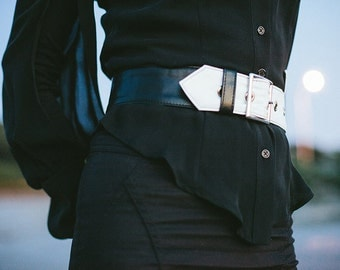 Black and white asymmetrical leather belt - Ione