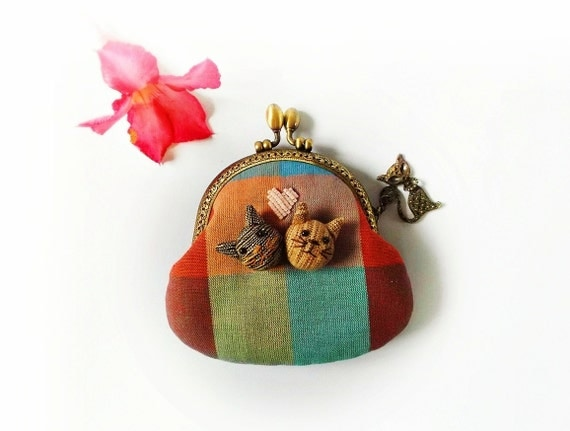 Coin purse, cat purse, metal frame purse, embroidery coin purse, 9.5 cm frame purse - made to order