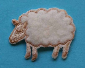 ID 0713 Woolly Sheep Animal Iron On Applique Patch