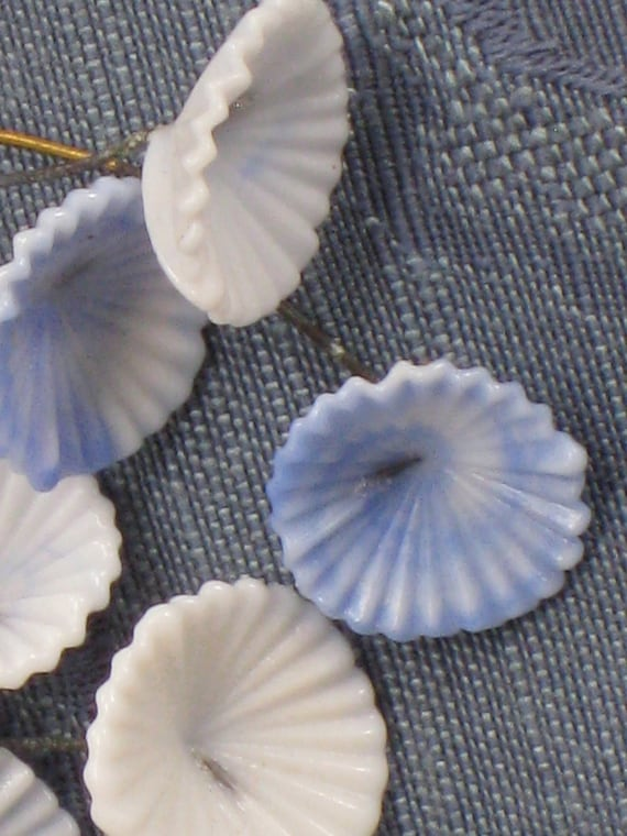 9 Vintage BLUE & WHITE Chalk Glass Ridged Flowers With Embedded Wire Stems - NOS
