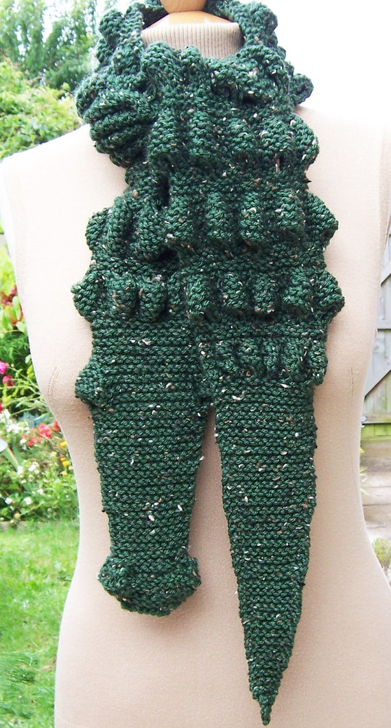 Hand Knitt Unisex Alligator/Gator/Crocodile Chunky Scarf , Crocodile Scarf in Dark Green