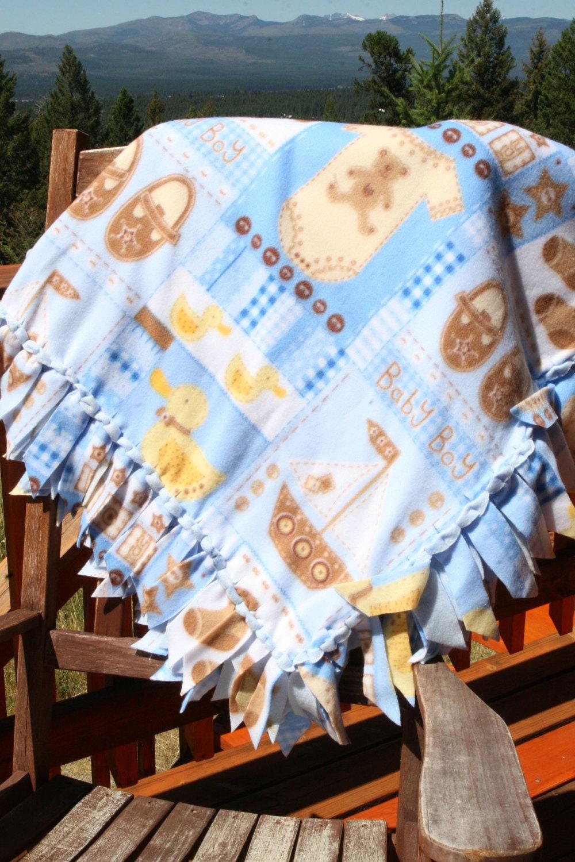 Couverture en laine polaire baby boy avec bord tiss for Couverture jetable en laine polaire ikea