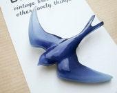 Vintage Swallow Brooch - Plastic Bird Brooch Pin