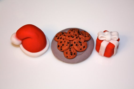 Fondant CHRISTMAS SANTA CLAUS - Cupcake, and Cookie Toppers - 1 Dozen