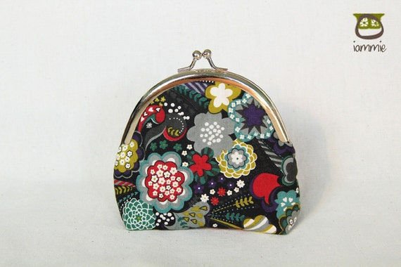 Japanese Style Purse, kiss lock, kisslock, bag, small, little, coin purse, kid, children, colorful, black, flower, japanese fabric