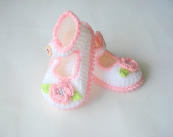 Baby Booties, white pink flowered  baby shoes, crochet baby sandals booties 6 to 12 months, crochet baby shoes, baby socks, knitted slippers