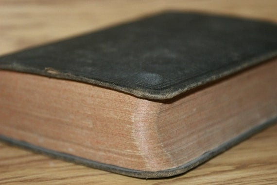 Vintage 1914 Hardcover Holy Bible by the American Bible Society
