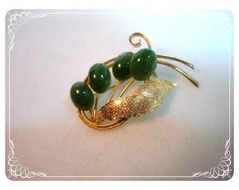 Green Jade Cattail Brooch - Vintage Gold Tone Pin 1120ag-022312000