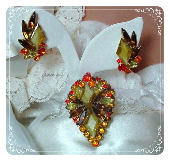 Reserved for Rosalie Smith Simply Stunning Girve Brooch/Pendant Demi  D and E  Juliana  092a-032609068