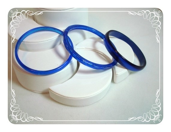 Shades of Blue Plastic Bracelets - Lucite Bangles   1128a-042412000.JPG