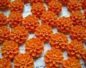 Orange Mum Cabochons / 6 pcs Orange Resin Dahlia Mum 15mm