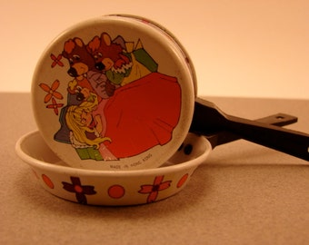 Toy Pans Goldilocks and the Three Bears Vintage Toys