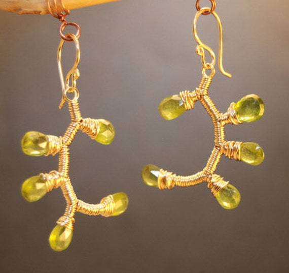 Branch earrings with Green Peridot Guenevere 58