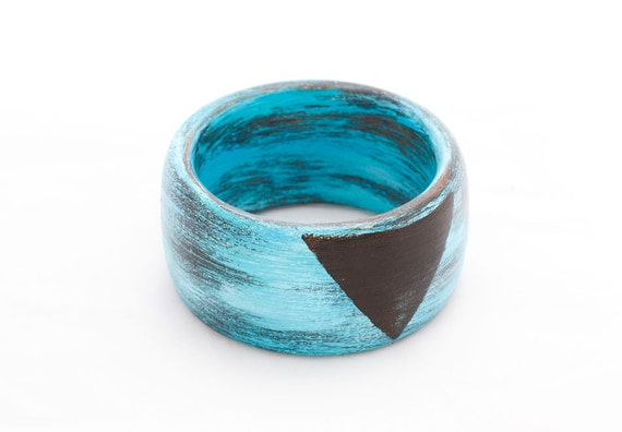 Hand painted Distressed Wood Bangle, 2 1/2 inch diameter, Shabby Chic, Turquoise, Aqua