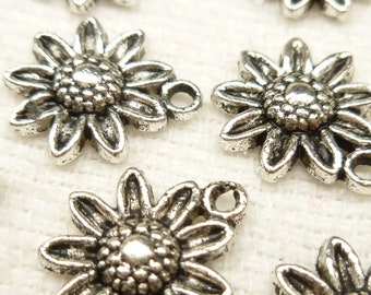 Antique Silver Basic Flower Charms (6) - S29