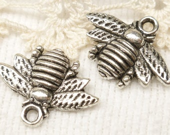 Honeybee, Bumble bee Flying Bug Charm, Antique Silver (6) - S76