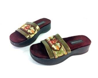 REDUCED~ Platform Floral Slip On Mules 7 - Platform Tapestry Clogs 7 - Pattern Slides Sandals 7