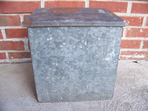 antique galvanized meadowgold dairy milk bottle box by lesaestes. Black Bedroom Furniture Sets. Home Design Ideas