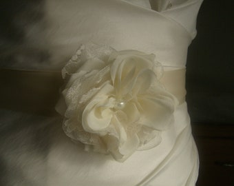 SALE Ivory Sash Belt with Handmade  silk & lace flower, Glass pearl in Center