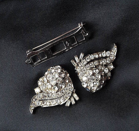 Rhinestone dress clip pin / duette brooch. Vintage brooch pin. Two pins in one.
