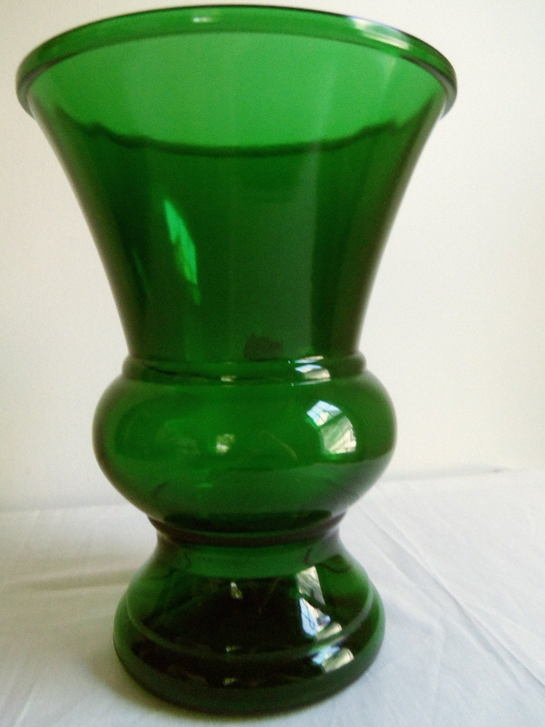 large napco green glass vase. Black Bedroom Furniture Sets. Home Design Ideas