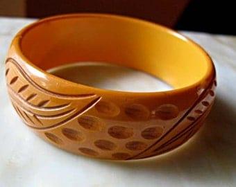 Butterscotch Carved Bakelite Bracelet, Deep Carving Leaves Bangle, Fall Leaf Design, Autumn Colors Cuff