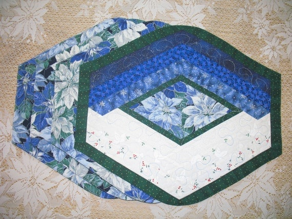 Quilted Placemat - Blue Poinsettia 121