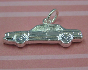 C43 Silver Racing Car Racing Flags NASCAR Sprint Car Race Car Charm