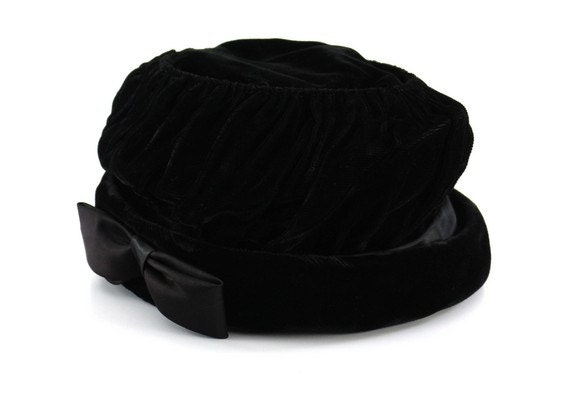 Vintage Black Velvet Ladies Hat