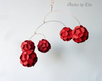 Red Paper balls Mobile