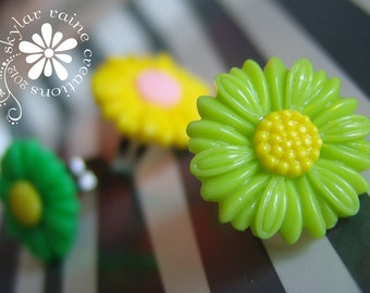 RING - LIME green Resin DAISY Flower Ring  - Adjustable Silver band - fits all sizes - flower ring
