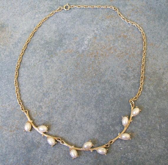 Vintage 1976 Sarah Coventry Necklace Springtime 17 Inch